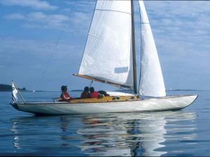 VIIKON 2 KYSYMYS: Mikä vene, kuka on sen suunnittelija ja milloin se on suunniteltu?