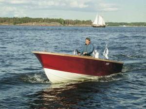 VIIKON 13 KYSYMYS: Mikä vene on kyseessä ja kuka on sen suunnittelija?