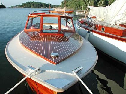 Vielä ehtii pukin konttiin: Puuvene Suomessa -kirja