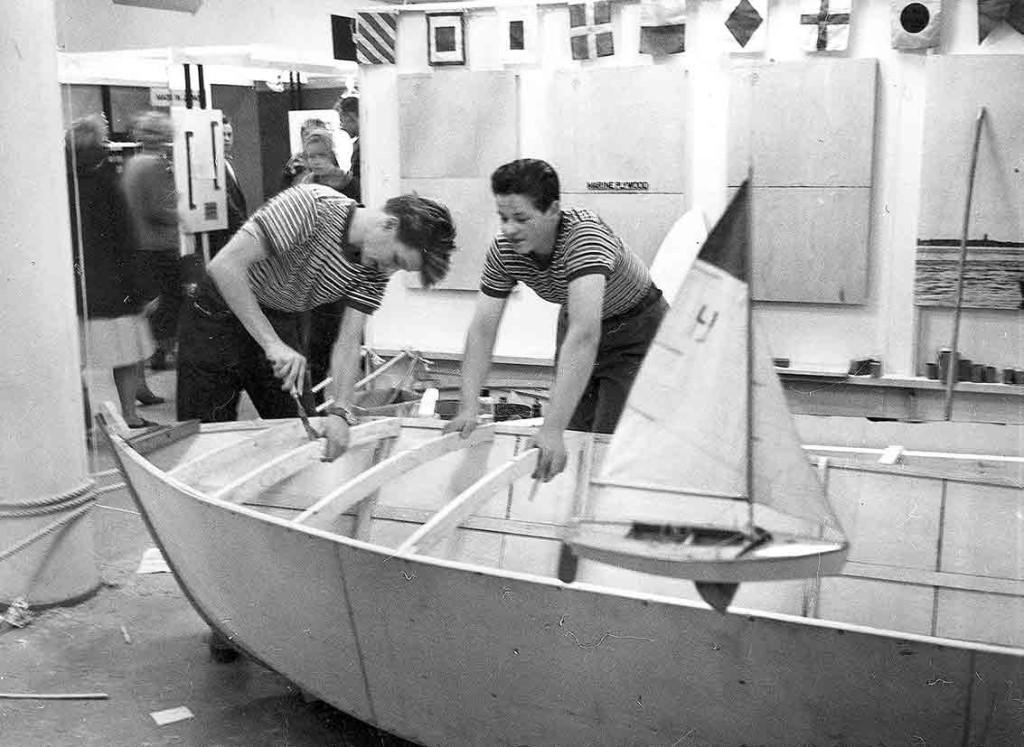 Risto Kristeri rakensi Vallilan ammattikoulussa luokkatoverinsa kanssa purjeveneen. Siitä taisi alkaa merkittävä ura veneenrakentajana.