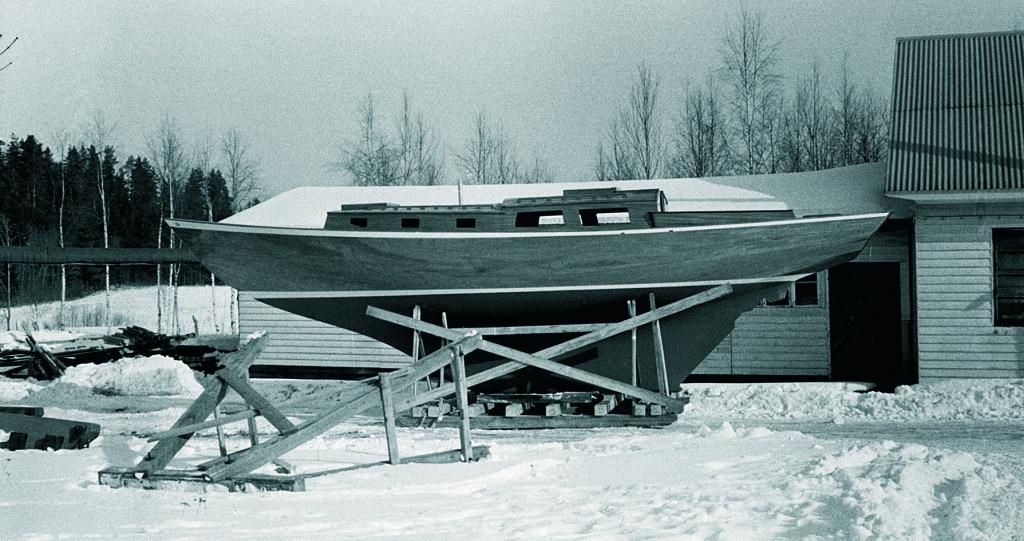 Najadi on rakennettu Huhmarin veistämöllä vuonna 1965. Kuva kirjasta Eino Antinoja - Vene tehty menystymään.