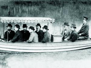 Polttomoottori valloittaa venemaailman